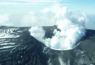 Vulkan 100527-1930
