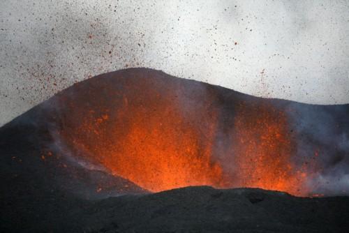 Vulkan_lava02